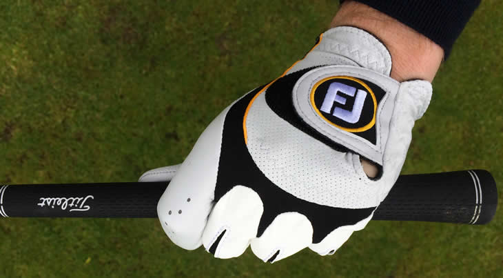 Synthetic golf glove